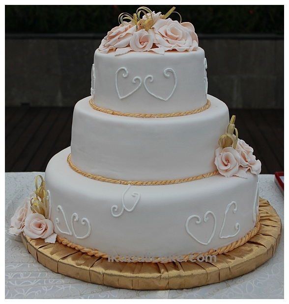 Bali Wedding Cake Flowers Gold