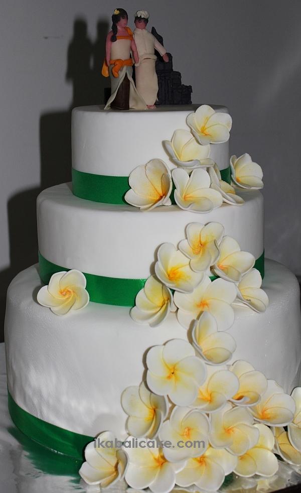 Balinese Wedding Cake